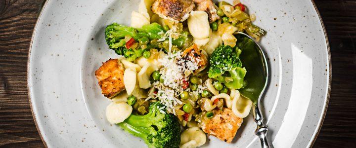 Orecchiette mit Brokkoli und Lachs